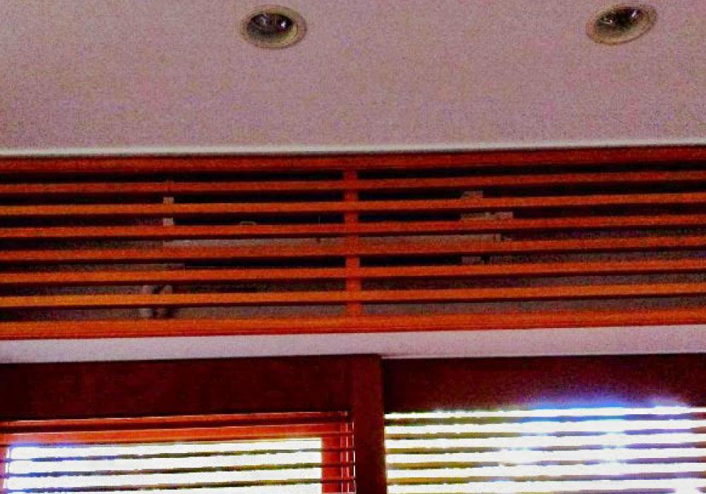 新規室内機①木板設置