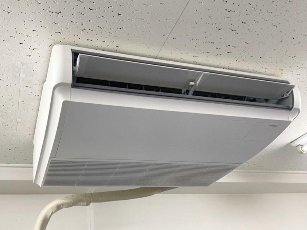 日立製業務用天井吊り形エアコン入替え工事|新宿区