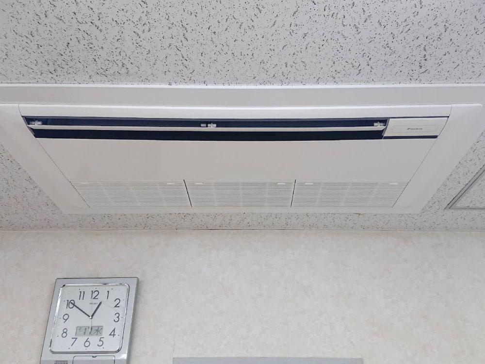 ダイキン製業務用天井埋め込みエアコン入替え工事|横浜市