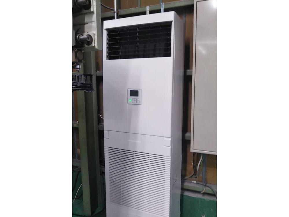 日立製業務用床置きエアコン入替え工事|川口市