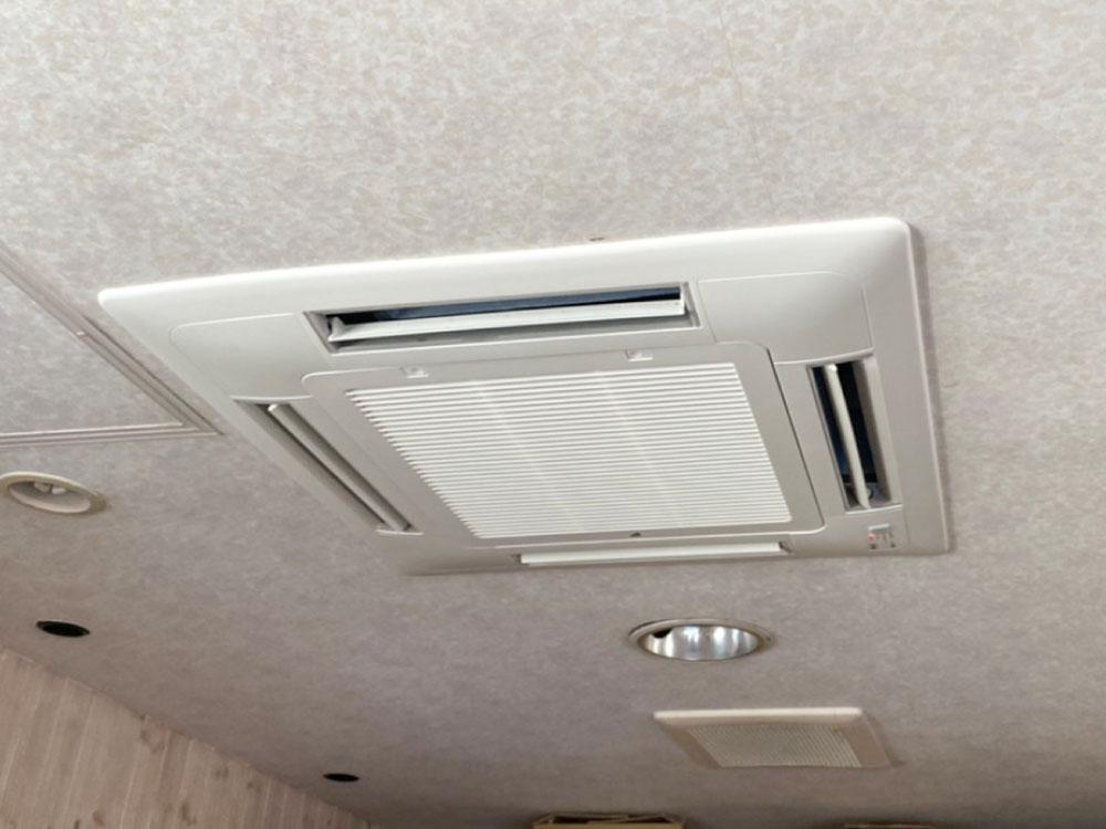 ダイキン製業務用天井埋め込みエアコン入替え工事|鎌倉市